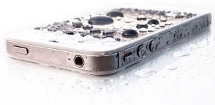 """Что делать, если вы """"утопили"""" свой iPhone?"""